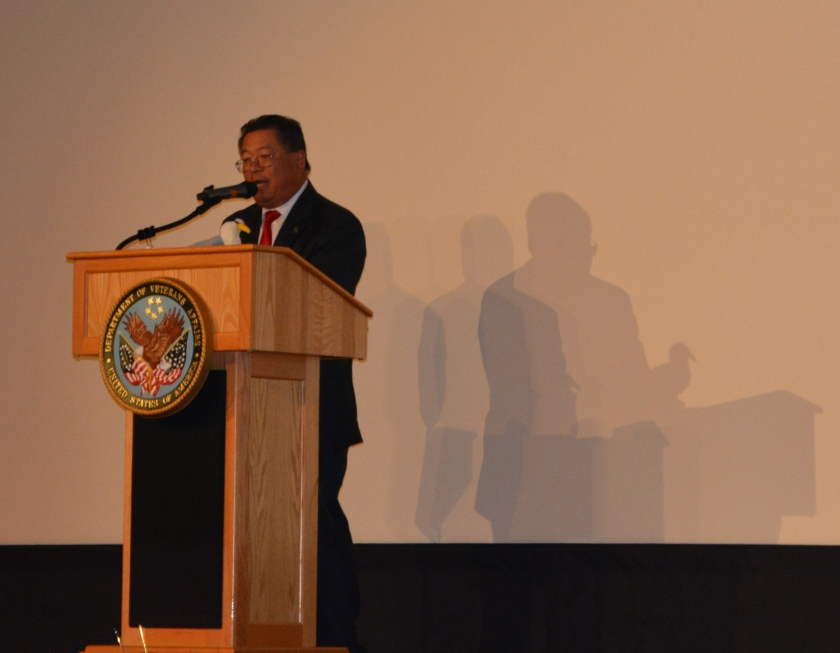 Master of Ceremonies Dr. Ronald Chun, manager of the Oakland VA clinic, with model of Least Tern.