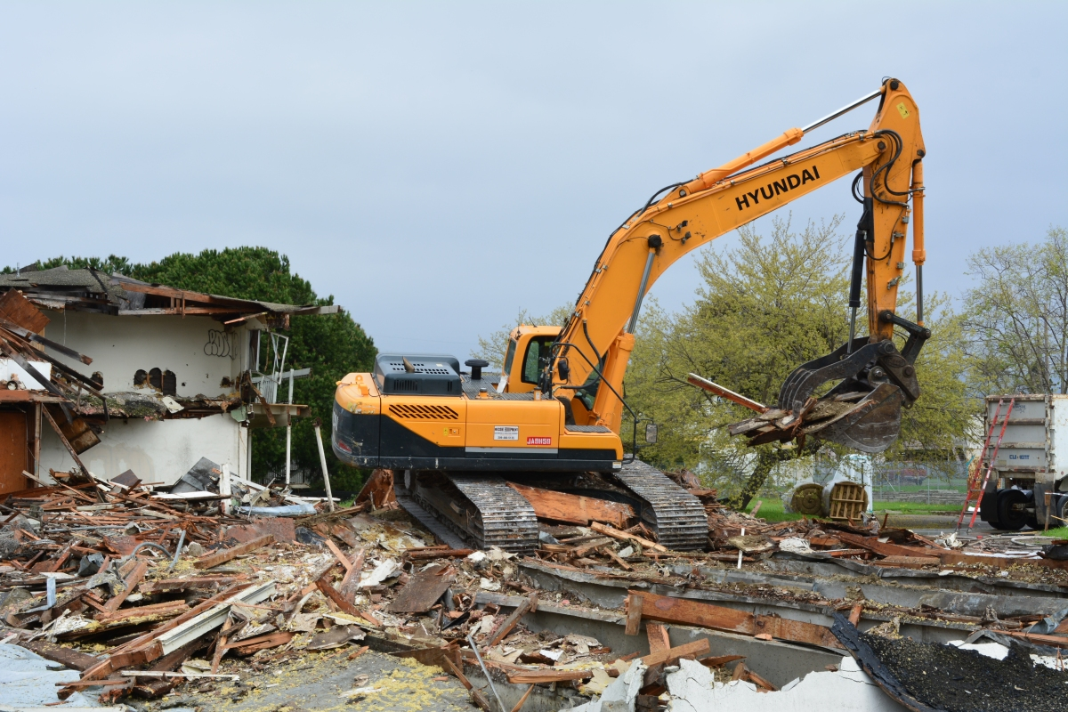 Demolition of former Navy apartments begins