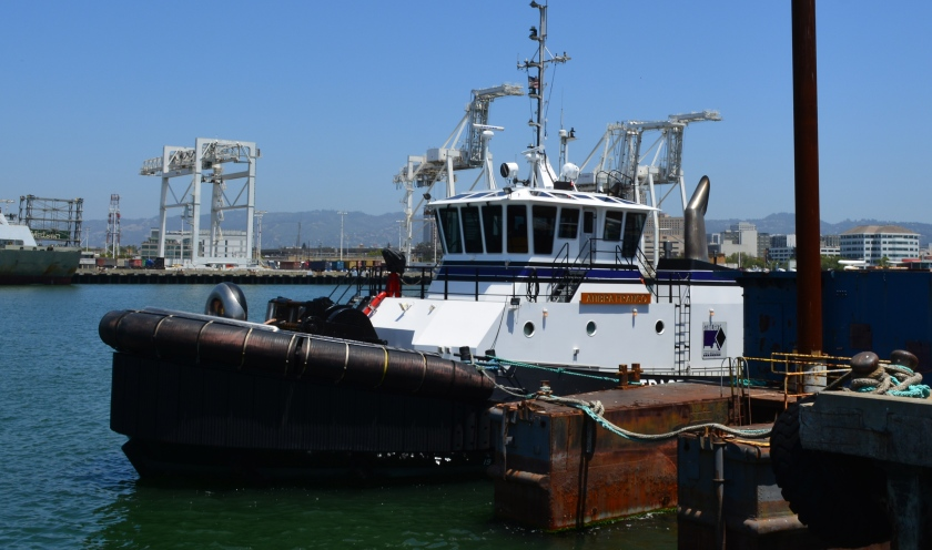 Starlight Marine Services tugboat at Alameda Landing wharf.